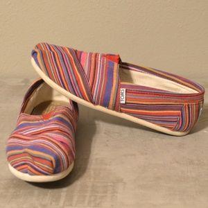 EUC Toms Rainbow Stripe Womens shoes size 7.5